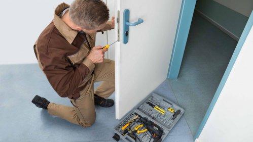 Монтаж дверей и раздвижных конструкций